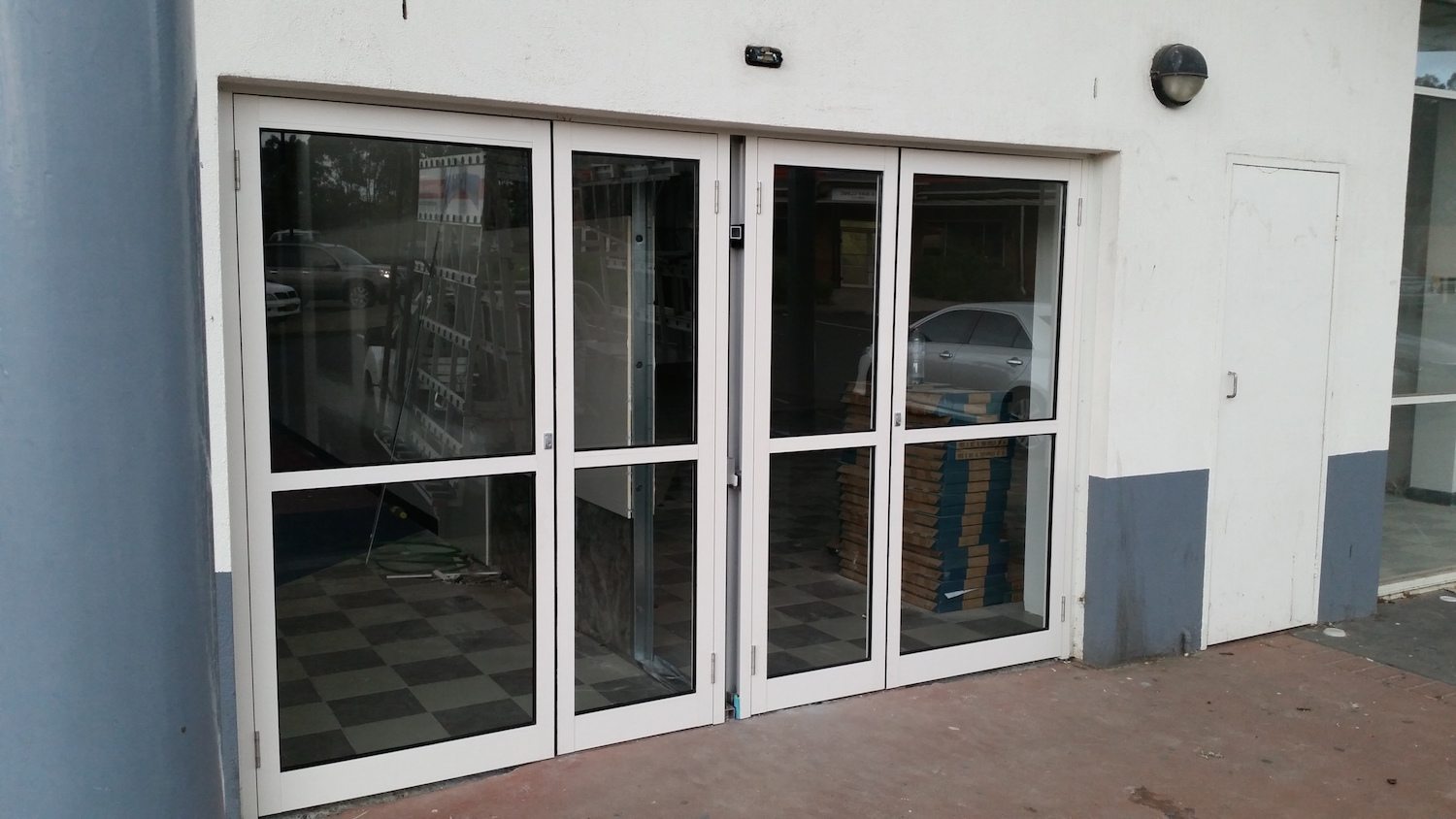 Aluminium Shop front-ninos-glass