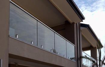 frameless balustrade top glaze handrail-ninos-glass