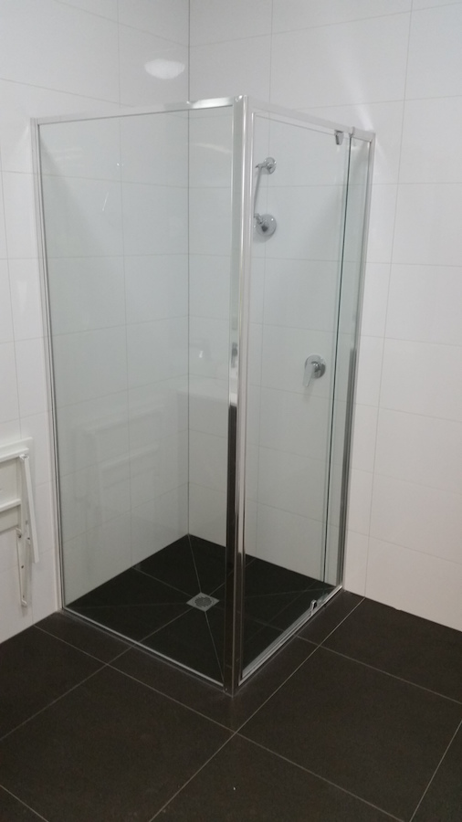 semi-framed showerscreen-ninos-glass